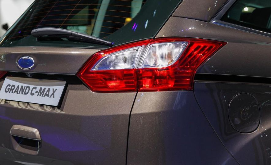 2016 Ford Grand C-Max - Slide 13