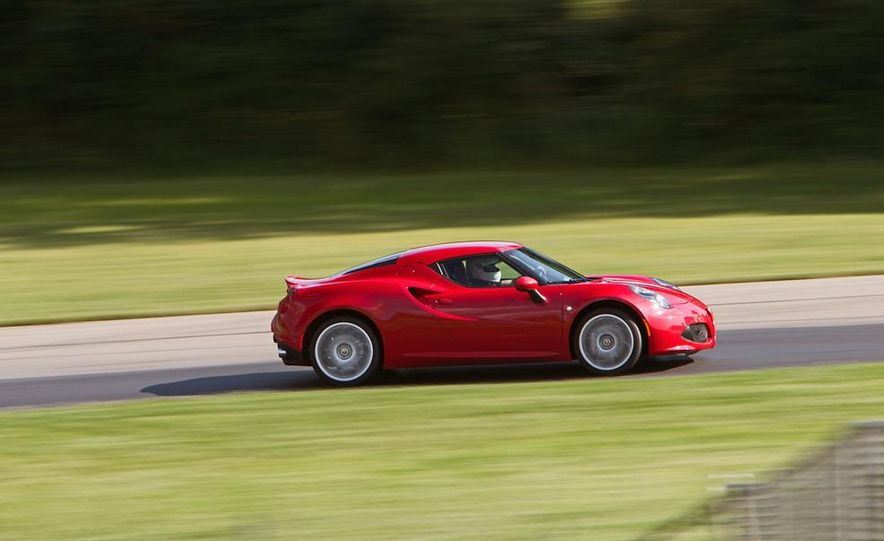 2015 Alfa Romeo 4C and 2014 Porsche Cayman - Slide 12