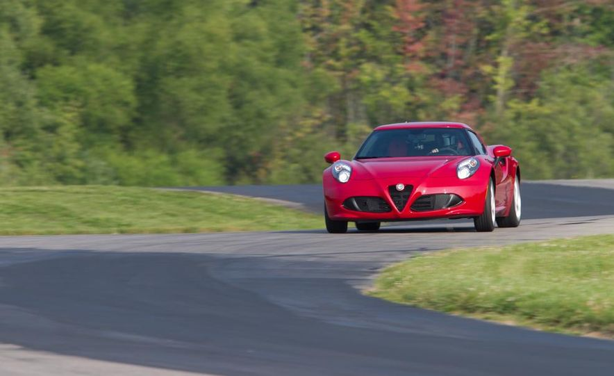 2015 Alfa Romeo 4C and 2014 Porsche Cayman - Slide 13