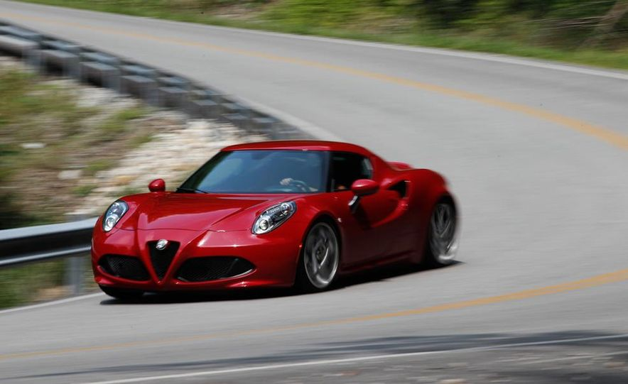2015 Alfa Romeo 4C and 2014 Porsche Cayman - Slide 16