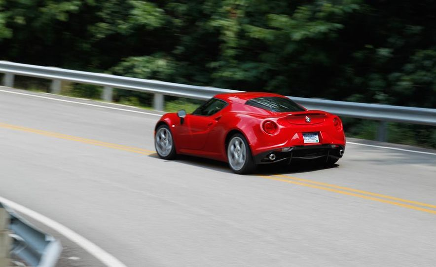 2015 Alfa Romeo 4C and 2014 Porsche Cayman - Slide 17