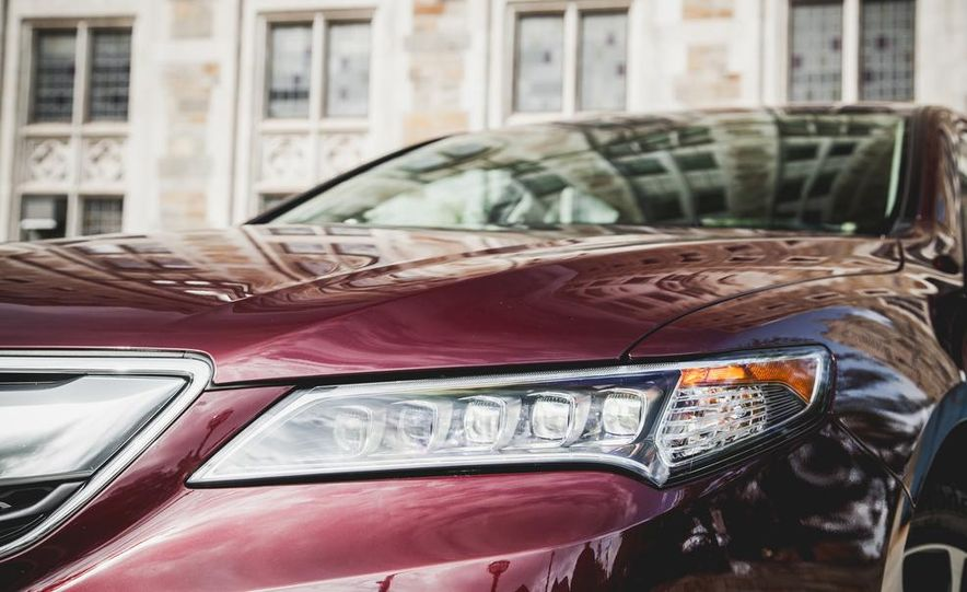 2015 Acura TLX 3.5L FWD - Slide 10