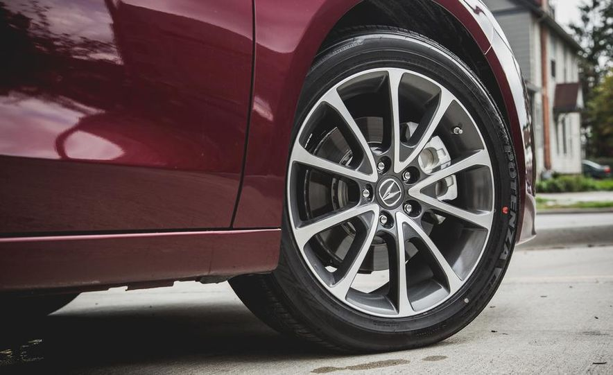 2015 Acura TLX 3.5L FWD - Slide 13