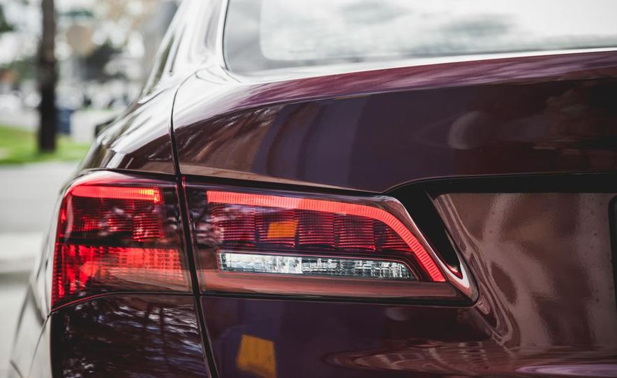 2015 Acura TLX 3.5L FWD - Slide 15