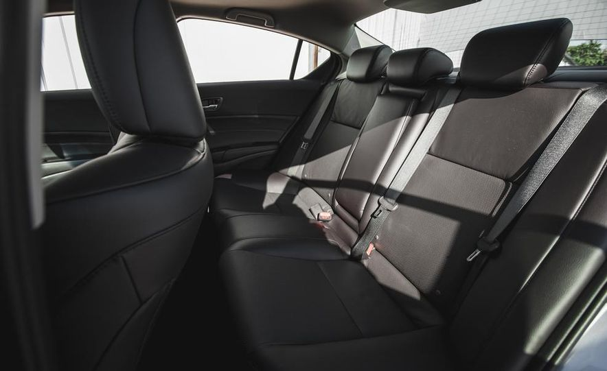 2015 Acura ILX 2.0L - Slide 22