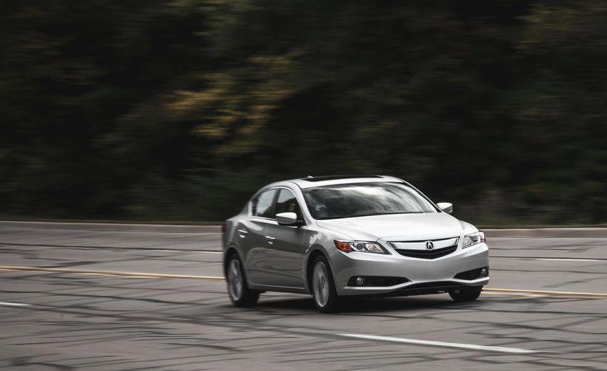 2015 Acura ILX 2.0L - Slide 1