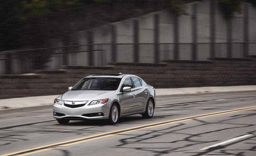 2015 Acura ILX 2.0L - Slide 2