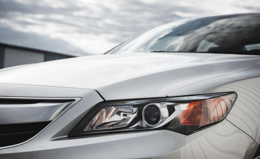 2015 Acura ILX 2.0L - Slide 13