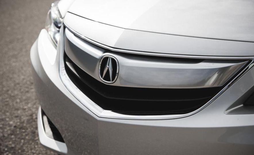 2015 Acura ILX 2.0L - Slide 14