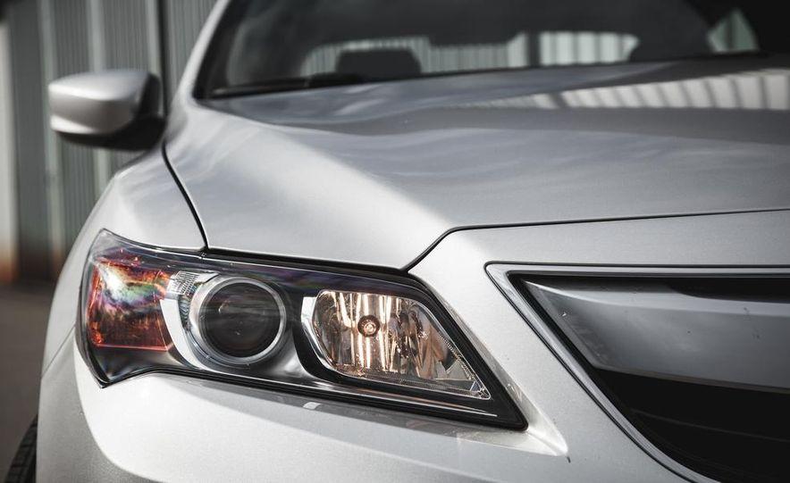 2015 Acura ILX 2.0L - Slide 15