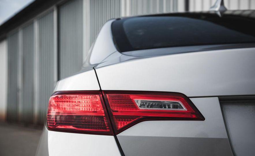 2015 Acura ILX 2.0L - Slide 18