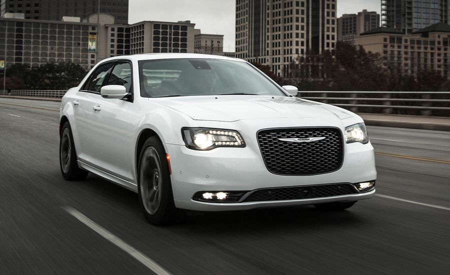 2015 Chrysler 300 V 8 First Drive Review Car And Driver