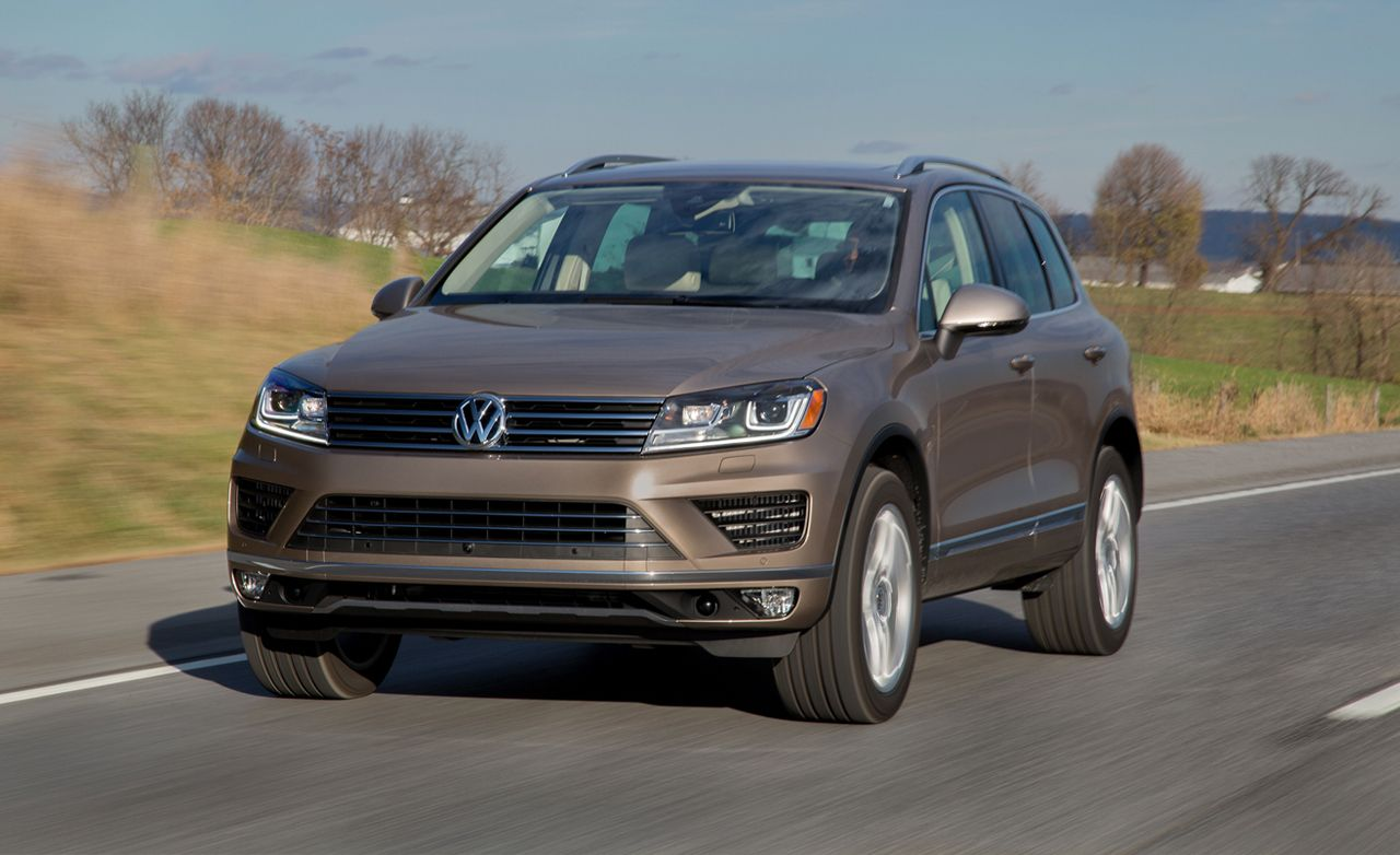 2015 Volkswagen Touareg First Drive Review Car And Driver