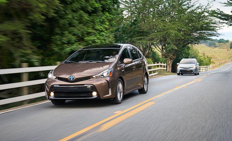 2015 Toyota Prius V Hybrid: The Big Prius Gets a Nip/Tuck