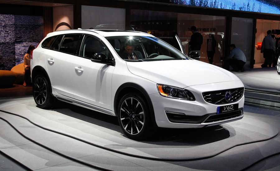 2015 Volvo V60 Cross Country: It's Not an XC