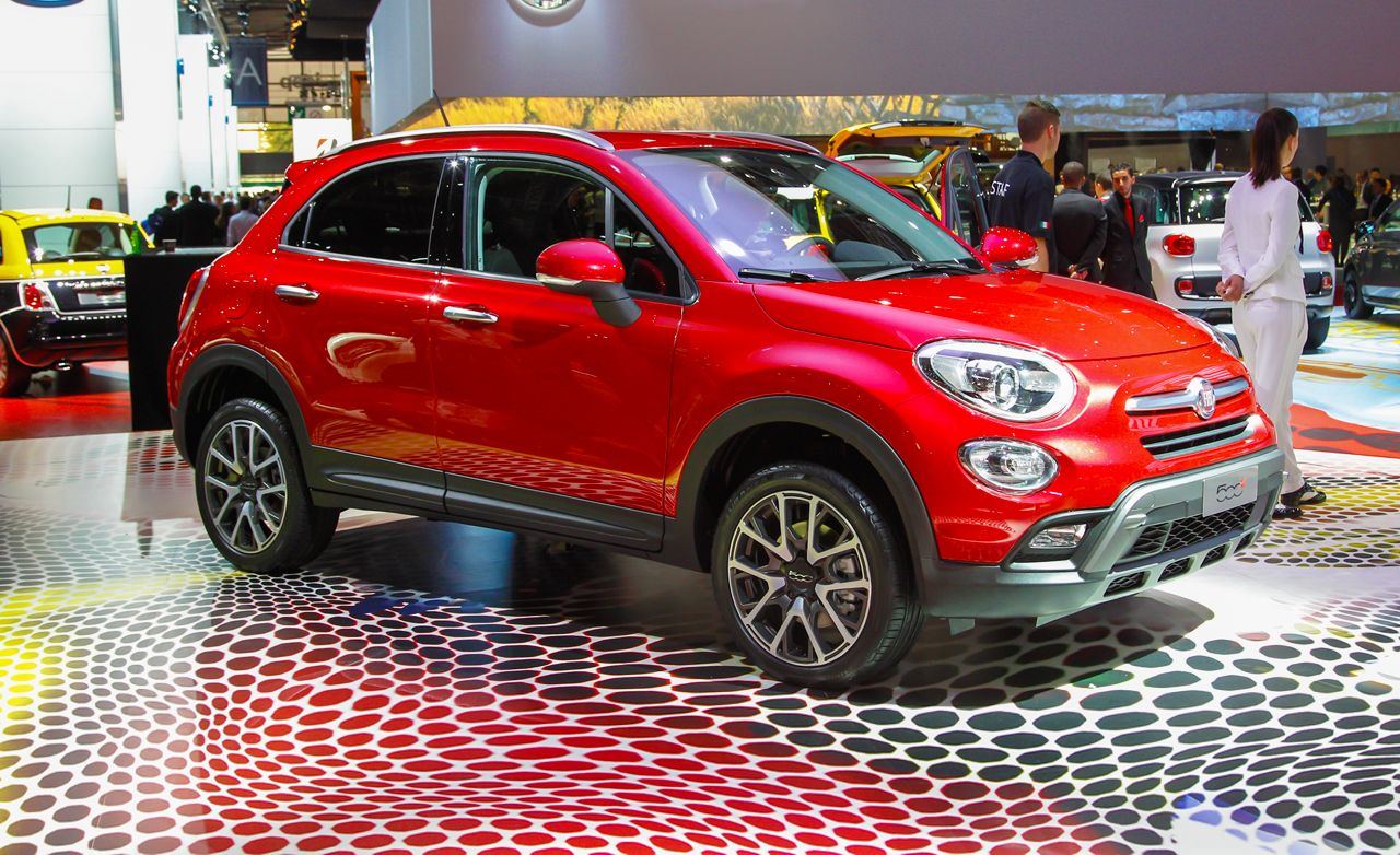 2016 fiat 500x photos and info news car and driver. Black Bedroom Furniture Sets. Home Design Ideas