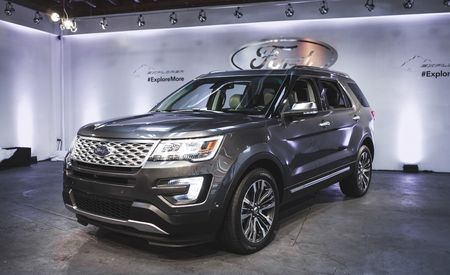 2016 Ford Explorer Gets a Major Overhaul: New EcoBoost Engine, Luxe Top Trim, and Much More