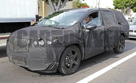 2017 Honda Odyssey Spy Photos: Honda Keeps On Vannin'