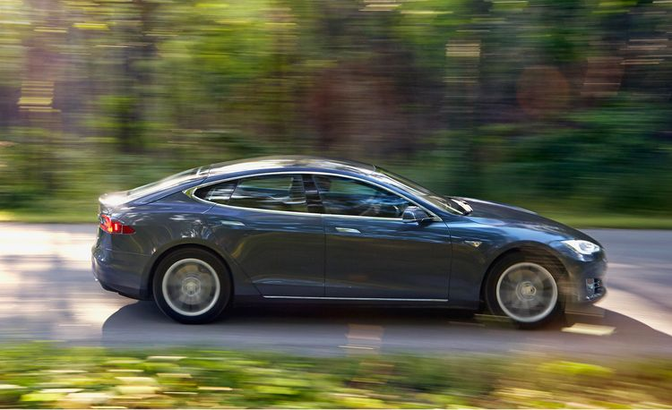 2015 10Best Cars: Tesla Model S 60