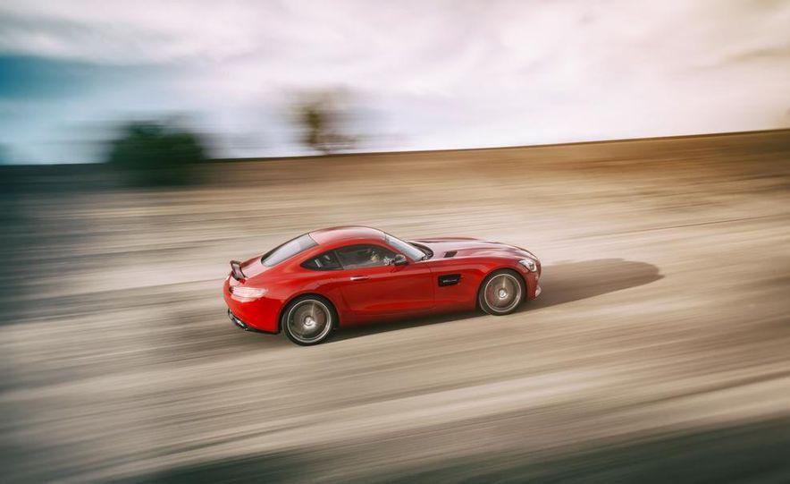 2016 Mercedes-AMG GT S - Slide 8