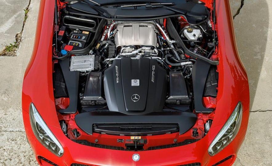 2016 Mercedes-AMG GT S - Slide 19