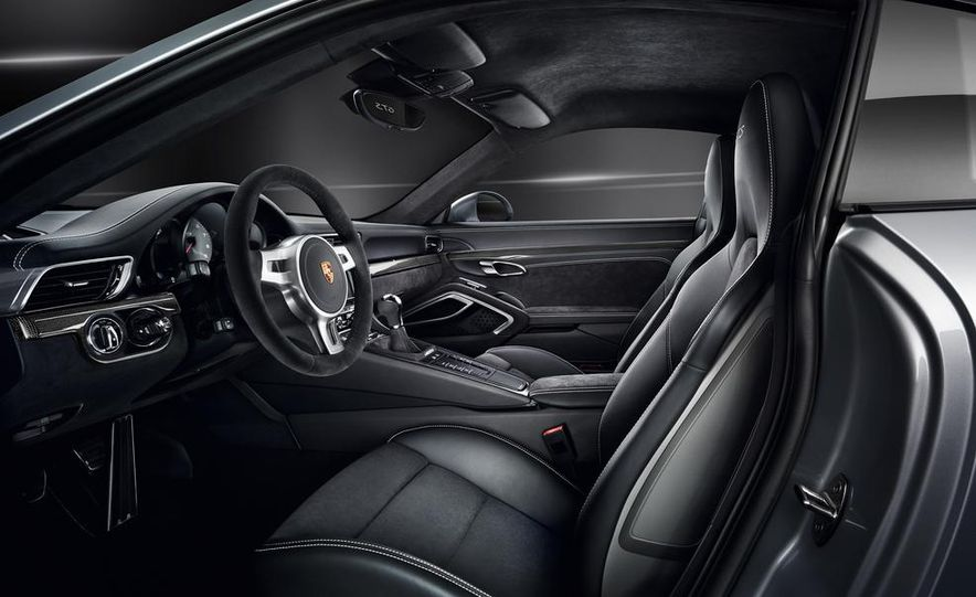2015 Porsche 911 Carrera GTS roadster, GTS 4 roadster, GTS coupe, and GTS 4 coupe - Slide 10