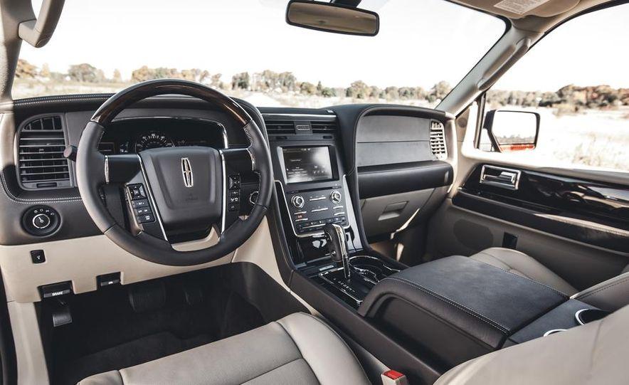 2015 Lincoln Navigator - Slide 21