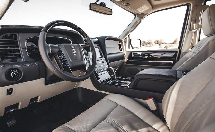 2015 Lincoln Navigator - Slide 22