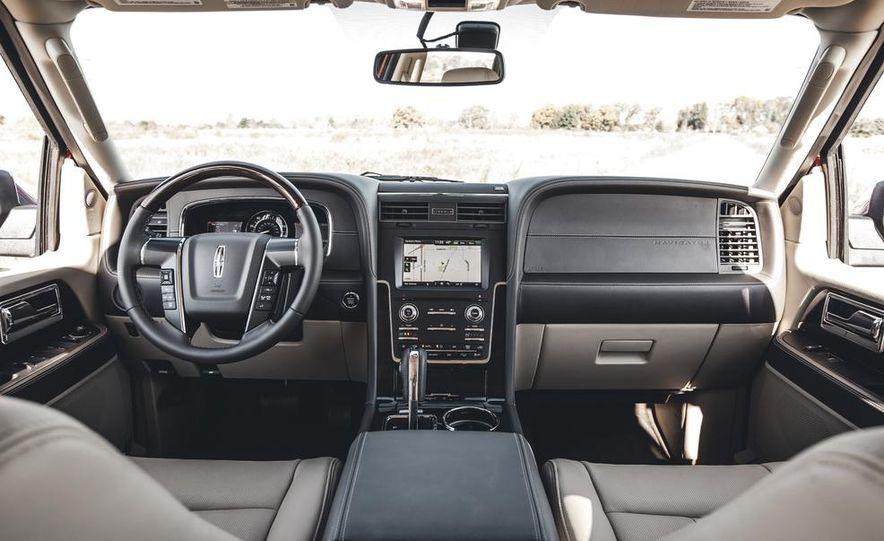 2015 Lincoln Navigator - Slide 23