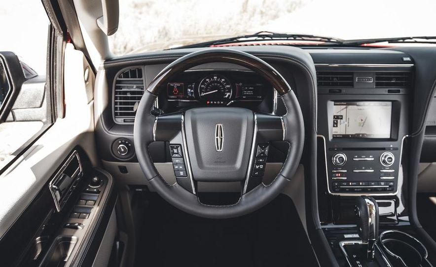 2015 Lincoln Navigator - Slide 31