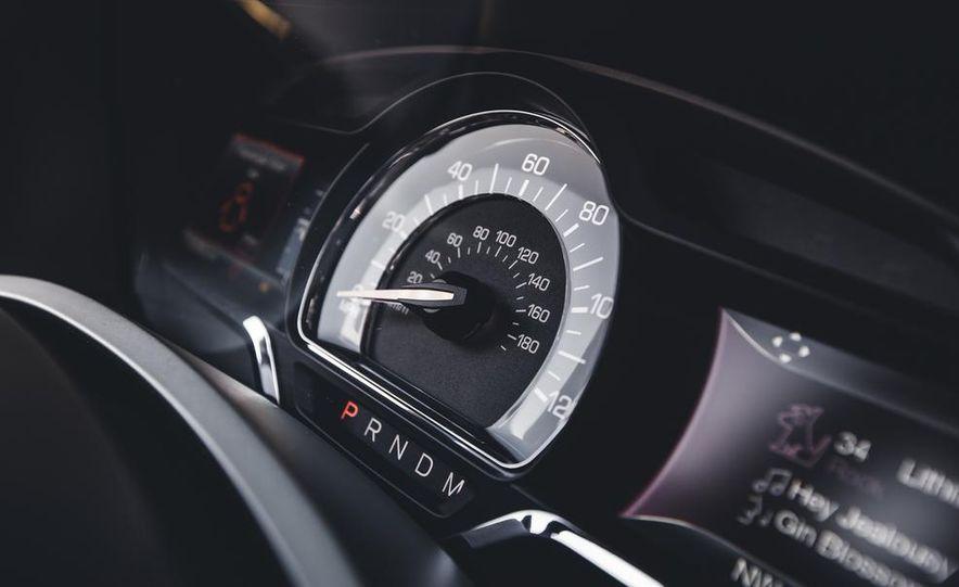 2015 Lincoln Navigator - Slide 36