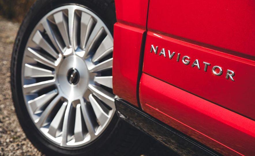 2015 Lincoln Navigator - Slide 15