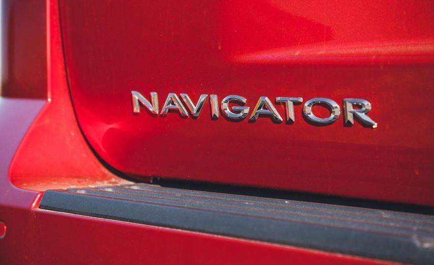 2015 Lincoln Navigator - Slide 19