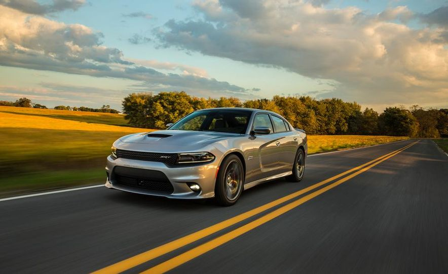 2015 Dodge Charger SRT - Slide 2