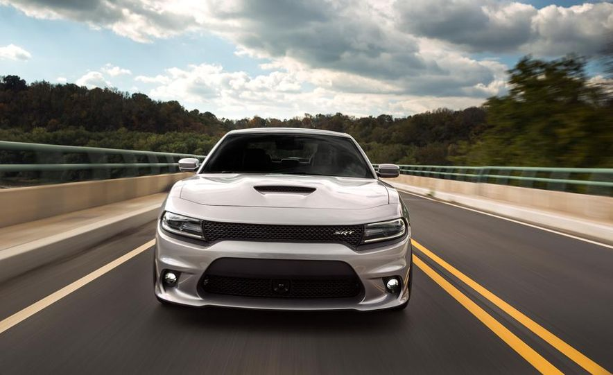 2015 Dodge Charger SRT - Slide 9