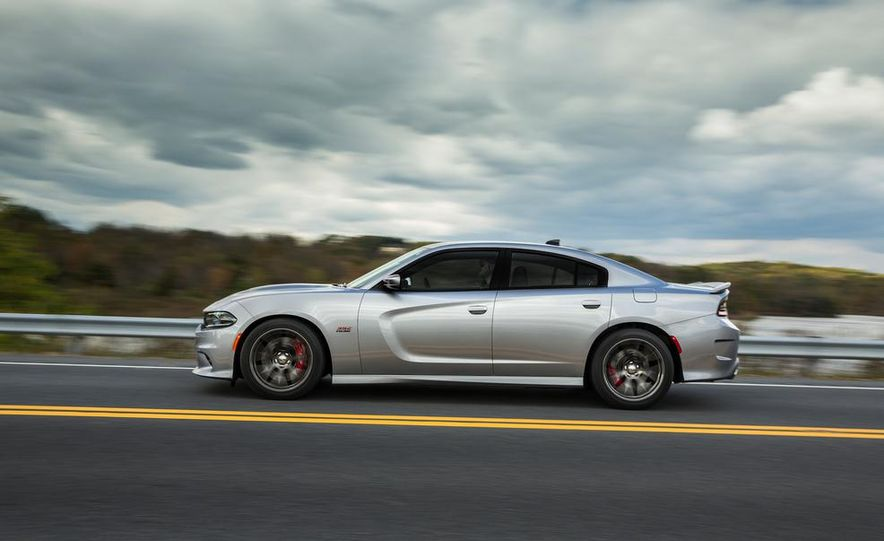 2015 Dodge Charger SRT - Slide 10