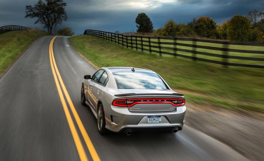 2015 Dodge Charger SRT - Slide 13