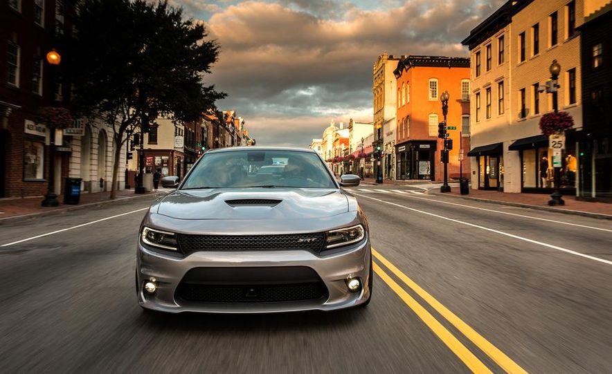 2015 Dodge Charger SRT - Slide 15
