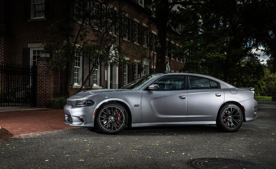 2015 Dodge Charger SRT - Slide 20