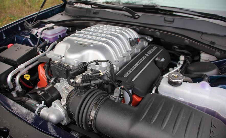 2015 Dodge Charger SRT Hellcats - Slide 15