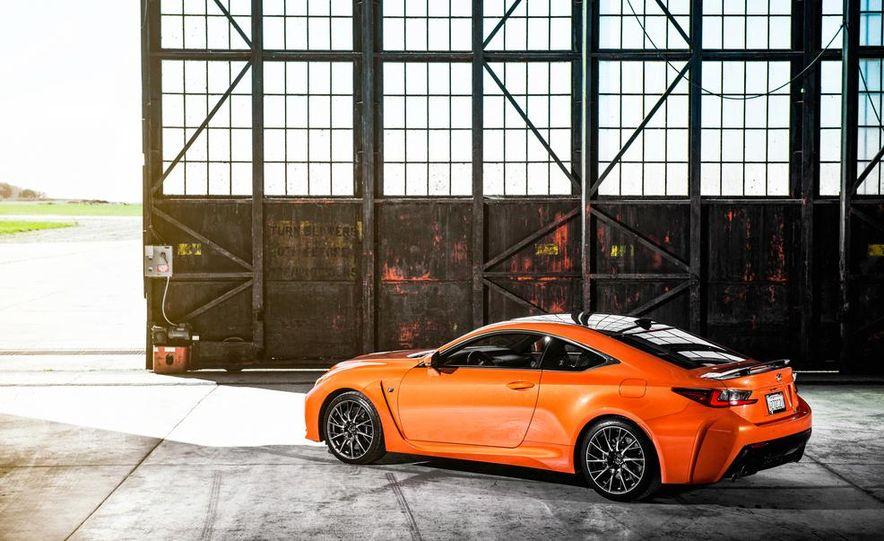2015 Lexus RC F - Slide 9