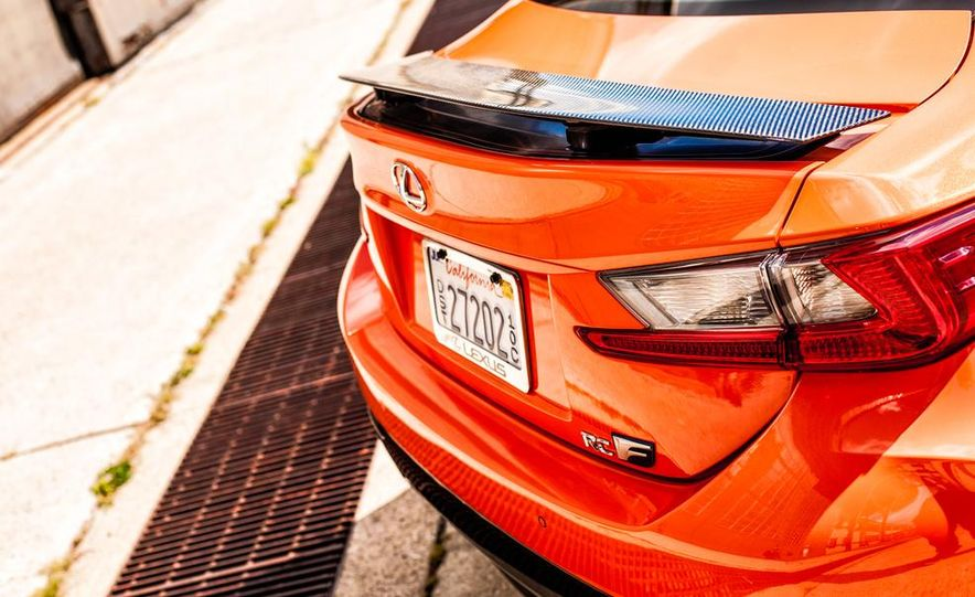 2015 Lexus RC F - Slide 20