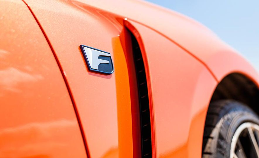 2015 Lexus RC F - Slide 23