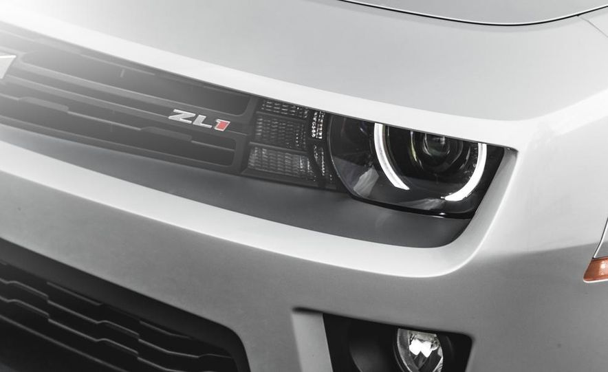 2015 Chevrolet Camaro ZL1 coupe - Slide 14