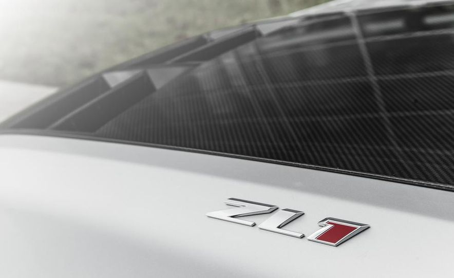 2015 Chevrolet Camaro ZL1 coupe - Slide 17