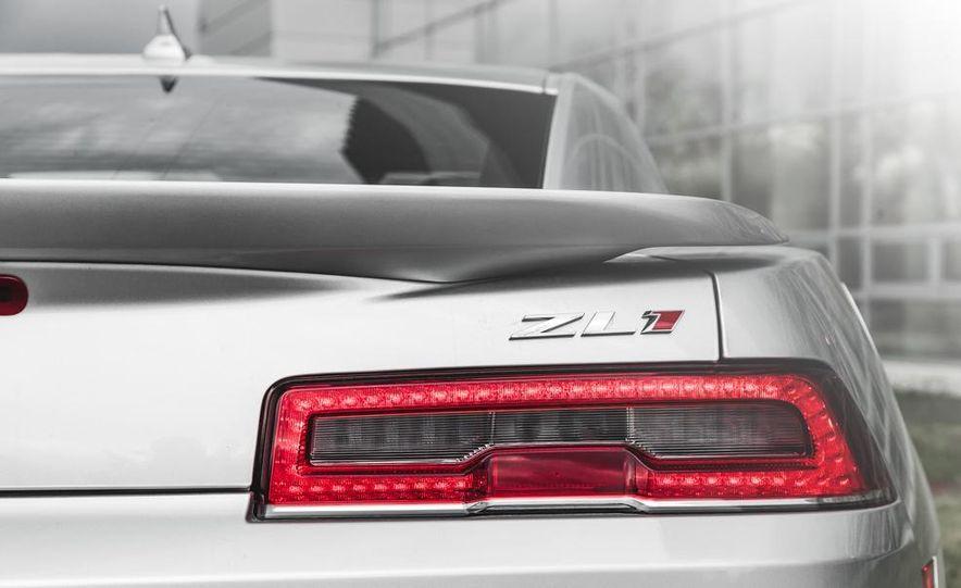 2015 Chevrolet Camaro ZL1 coupe - Slide 21