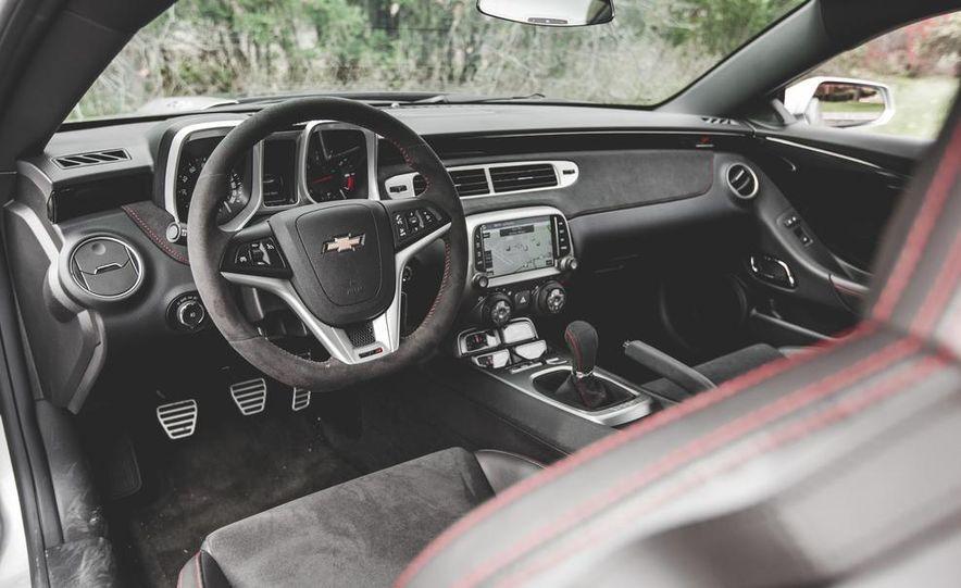 2015 Chevrolet Camaro ZL1 coupe - Slide 22