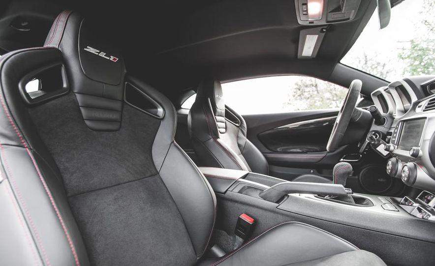 2015 Chevrolet Camaro ZL1 coupe - Slide 27