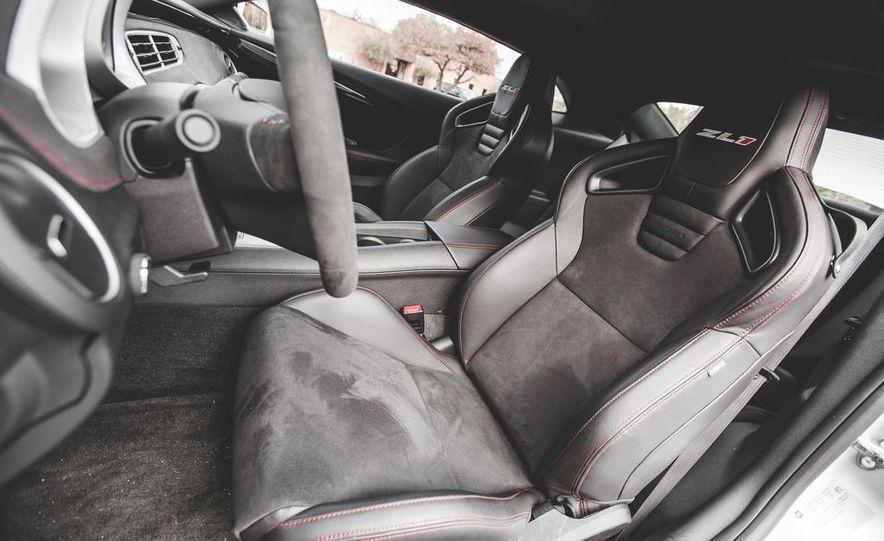 2015 Chevrolet Camaro ZL1 coupe - Slide 28