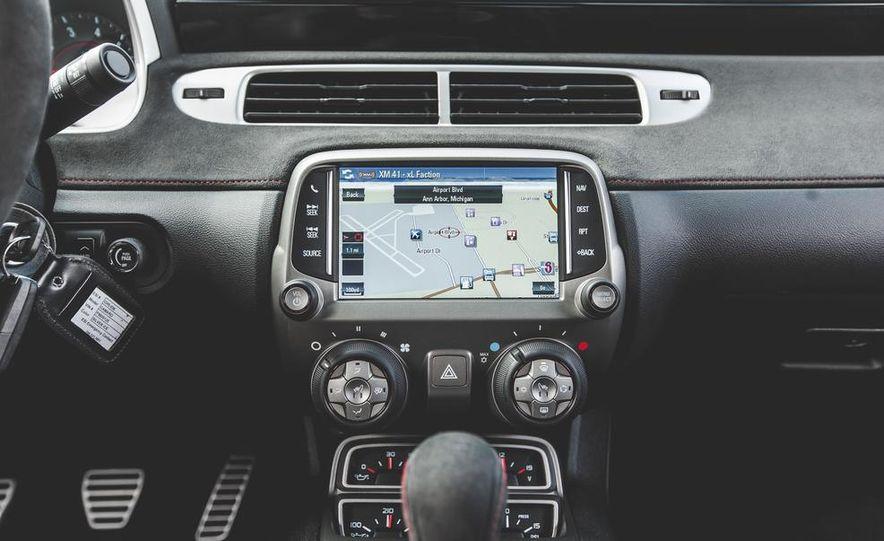 2015 Chevrolet Camaro ZL1 coupe - Slide 31